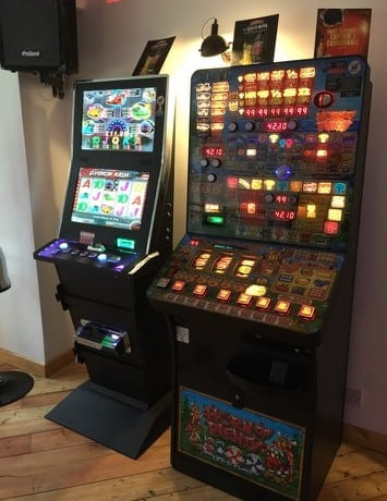 Fruit machine hire UK
